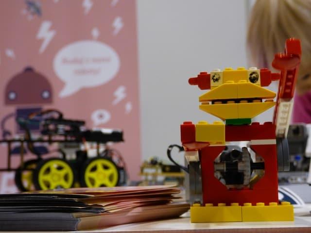 robot-ea36b30d2b_640